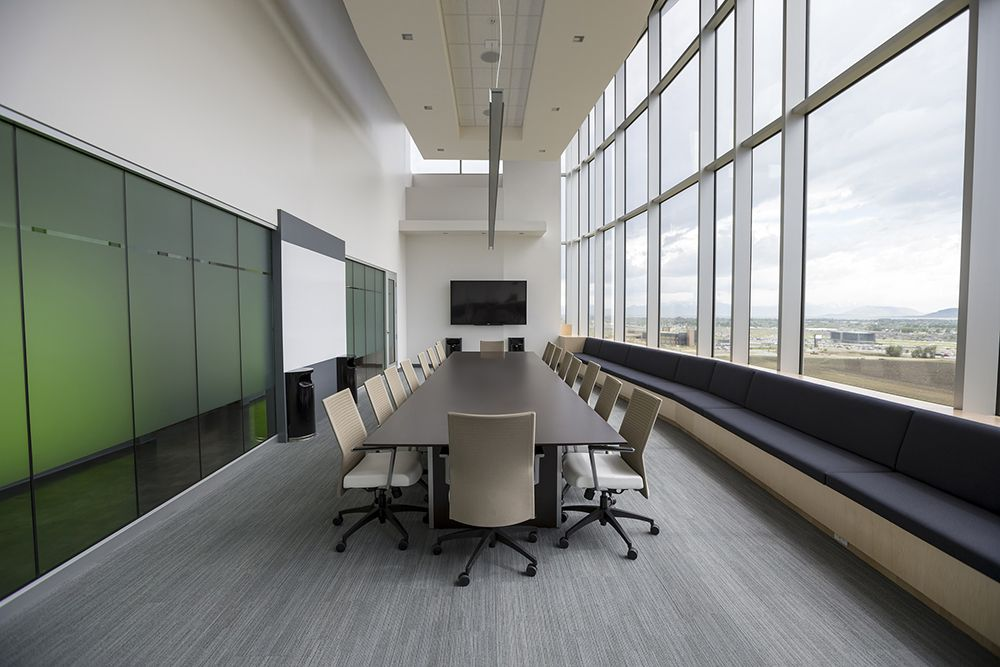 10 tips for using office interior glass work